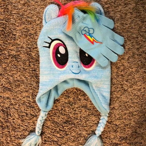 5681f2db8df Rainbow Dash Girls Winter Hat   Gloves Set